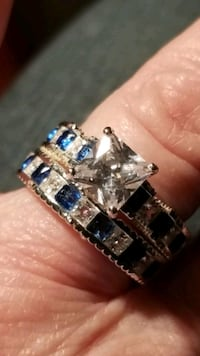 925 silver blue and white sapphire set. Sz7