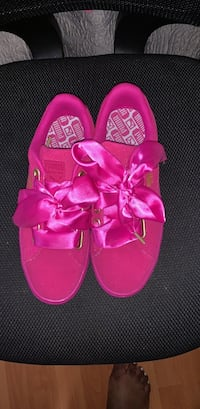 7a1253acd Used Pair of pink sneakers for sale in Boca Raton - letgo