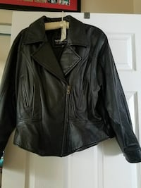 Woman's black leather jacket Imperial Beach, 91932