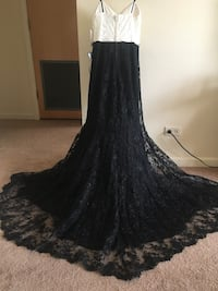 Black and Ivory Prom/Party Dress Size 3 Schaumburg, 60193