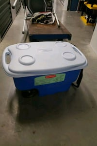 RUBBERMAID COOLER Coquitlam, V3H 1W3