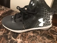 pair of black Underarmour basketball shoes District Heights