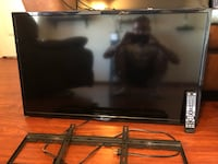 "Samsung and Element televisions 32"" and 40"" Horizon City, 79928"