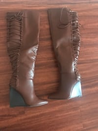 pair of brown leather knee-high boots Washington, 20032