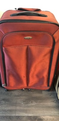 Large Samsonite Suitcase Chicago, 60654
