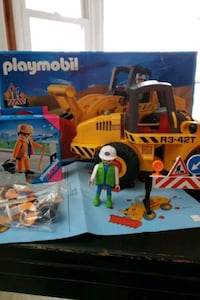 Playmobil front loader with men and extra man in box Alexandria, 22308