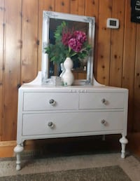Vintage dresser and mirror West Kelowna, V1Z 2C6