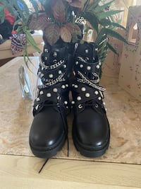 Authentic leather combat boots