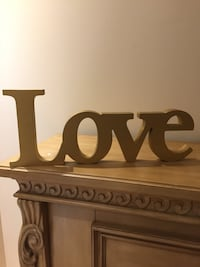 Gold love standing letters, NEW and in good condition  Montréal, H4R 3K6