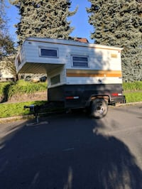 Overhead camper pull trailer  Vancouver, 98682