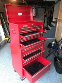 red and black Craftsman tool chest Groton, 01450