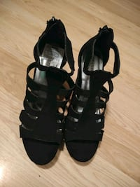 pair of black leather open-toe heeled sandals Vallejo, 94590