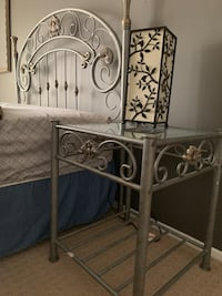 Headboard and night stand null, 07747