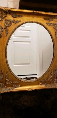Antique fold Mirror in excellent condition  Mississauga, L5M 0V5