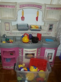 Toddler kitchen set with accessories.Good condition.Smoke and pet free The Bronx, 10467