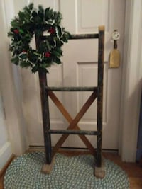 2 for 1 Ladder and Wreath 42 mi