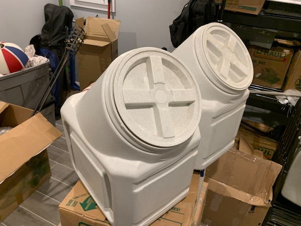 Airtight feed bins - Large
