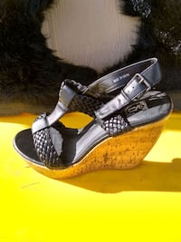 pair of black-and-gray sandals Denver, 80236