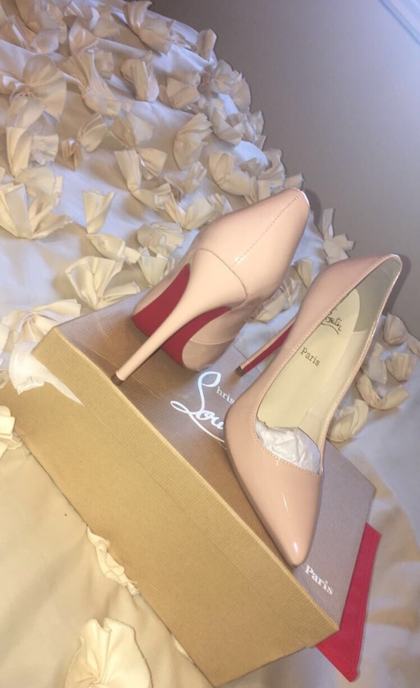CHRISTIAN LOUBOUTIN (no authentic) SIZE 8,5