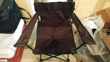 FOLDING CHAIR with BOTTLE HOLDER