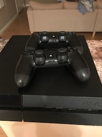 PlayStation 4 500 GB Anaheim, 92804