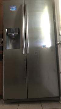 Stainless steel side-by-side refrigerator with dispenser Carencro, 70520