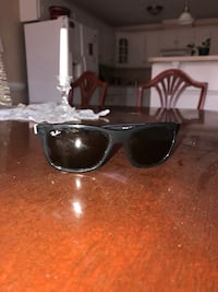 black framed Ray-Ban wayfarer great condition