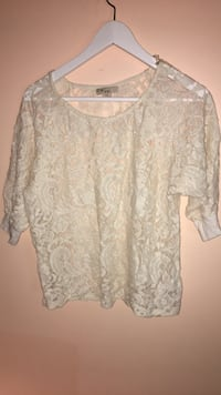 Vintage forever 21 lace shirt (small)  | clothing Edmonton, T6X 0K8