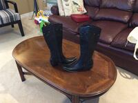 Ladies western style boots by Guess Ancaster, L9K 1H7