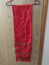 Red embroidered scarf Ames, 50011