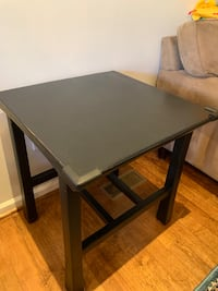 2 matching Side tables.