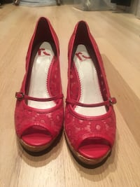 Size 7 Red peep-toe wedges