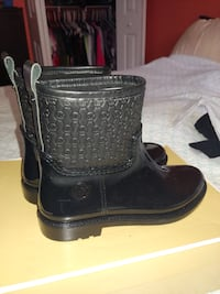 Michael kors rain boots size 8 brand new. Black in color Odenton