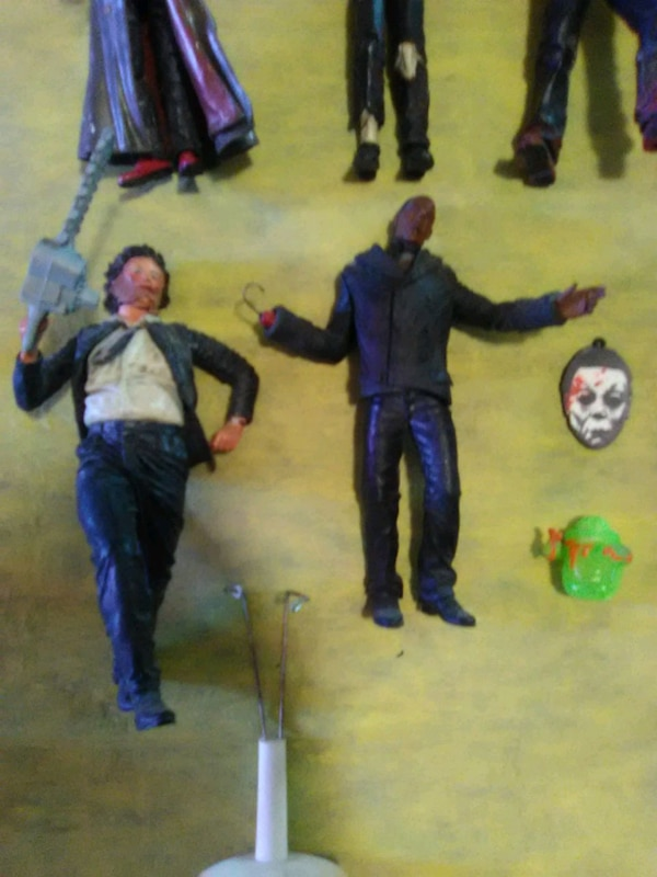 Horror n other figures 9c588629-e885-4225-8bd2-6540ce66bff8
