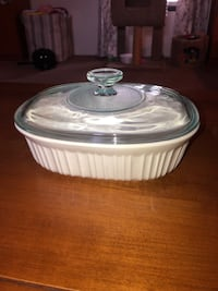 Never used Corning Ware dish with lid 258 mi