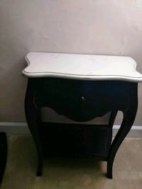 black and white wooden side table Alexandria, 22305