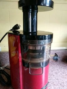 OMEGA JUICER,GOOD CONDITION