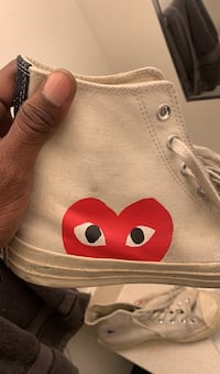 CDG Converse Size 10