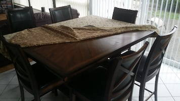 6-Seat Wood Kitchen Table-Like New