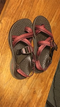 Chaco women sandals like New, size 6