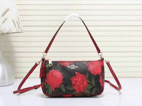 Used Authentic coach sling bag for sale in San Pablo City - letgo 15daef500f15c