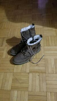 Winter boots for kids size 7 Toronto, M9V 3T1