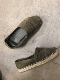 Women moccasins green size 9 Laval, H7S 1Y3