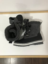 Brand new Women's winter boots size 9 St Thomas, N5R 6G8