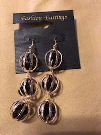 Earrings  Salisbury, 21804