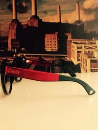 Gucci Red frame sunglasses Lake Forest, 92610