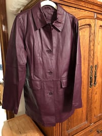 Purple leather long jacket with zip out  lining ladies size medium Moore, 73160