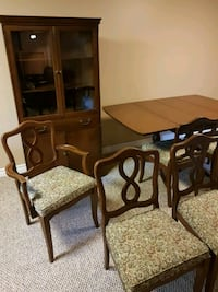 Dining room set London, N5X 2G1