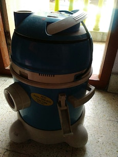 blue and gray wet and dry vacuum cleaner