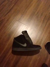 Nike high top size 13 basketball shoes Louisville, 40215